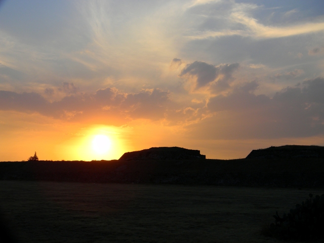 Puesta de Sol en Teotihuacan, México