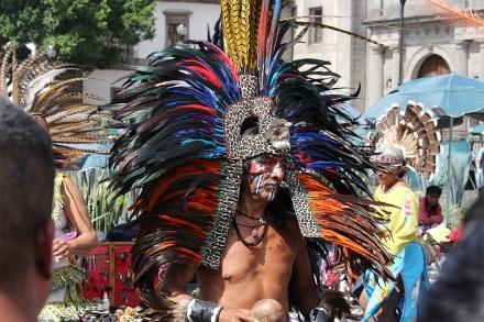 Danzante Azteca by Jorge Chincoya