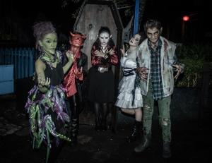 381-Six2-Halloween 2015-0011
